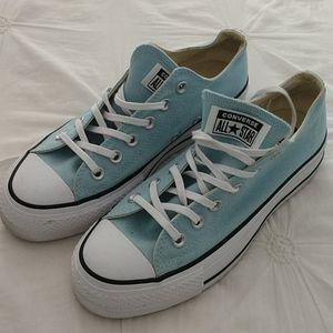 Converse sneakers, sz US8